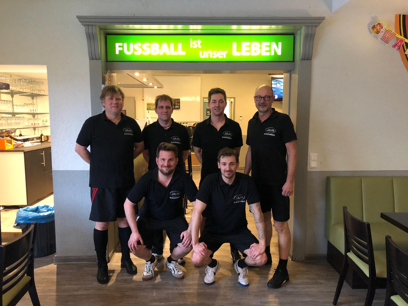 Anfang April fand das 2. von JAM organisierte Fußball Turnier in einer Wuppertaler Soccerhalle statt.