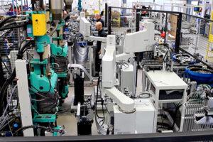 """Kompakte Robotertechnik """"Maschinen Entladung Druckgussmaschine"""""""