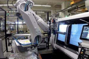 """Kompakte Robotertechnik """"Maschinenbestückung"""""""